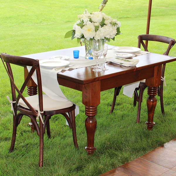 Sweetheart tables for your wedding or special event. Table & Chair rentals from Columbia Tent Rentals