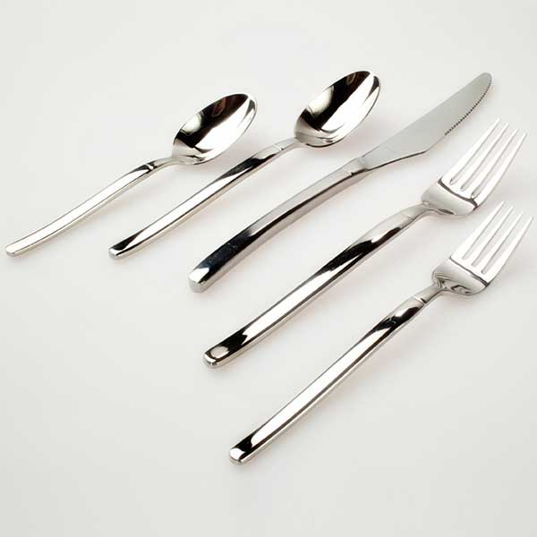 Columbia Tent Rentals provides complete dinnerware rental for your special event such as forks, spoons and knifes